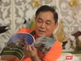 Ông Huỳnh Uy Dũng cho biết ông thường xuyên nghiên cứu Phật pháp. Ảnh: An Tâm.