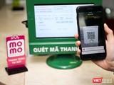 Lý do phải sửa đổi lại bởi phải bảo đảm an toàn cho người sử dụng ví điện tử. Ảnh: Nhật Thy.