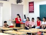 Giáo viên và học sinh trong giờ học. Ảnh: Minh Thúy