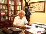 GS. Hồ Ngọc Đại tại buổi trò chuyện. Ảnh: Minh Thúy