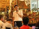 Nhà báo Lê Nghiêm - Phó chủ nhiệm câu lạc bộ cafe số. Ảnh: Minh Thúy