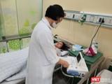 Bác sĩ chăm sóc sản phụ Phạm Thị Hằng sau sinh. Ảnh: BVCC