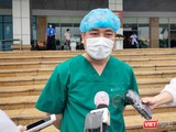 ThS. BS. Nguyễn Trung Cấp – Trưởng khoa Cấp cứu, Bệnh viện Bệnh Nhiệt đới Trung ương cơ sở 2. Ảnh: Minh Thúy