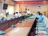 Thứ trưởng bộ Y tế Nguyễn Thanh Long họp với VNPT về ứng dụng công nghệ thông tin trong y tế. Ảnh: Minh Thúy