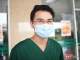 BS. Phạm Văn Phúc – Khoa Hồi sức tích cực, Bệnh viện Bệnh Nhiệt đới Trung ương (Ảnh: Minh Thúy)