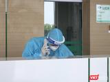 Bác sĩ trực cấp cứu ở bệnh viện ( Ảnh - Minh Thúy)