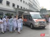 Đoàn 35 bác sĩ, điều dưỡng ở Bệnh viện Hữu Nghị lên đường vào TP. HCM chống dịch (Ảnh - Minh Thuý)
