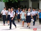 Thí sinh dự thi vào lớp 10 tại Trường Trung học Thực hành, ĐH Sư phạm TP.HCM vào sáng 5/6