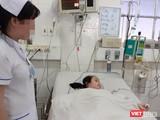 Bệnh nhi bị sốt xuất huyết nặng