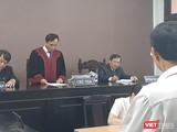 Đại diện HĐXX Tòa án Nhân dân quận 7 tuyên án vụ án tranh chấp bồi thường thiệt hại do tính mạng bị xâm hại.