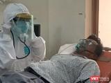 Diễn tập cấp cứu bệnh nhân tại BV Dã chiến. Ảnh: NT