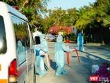 TP.HCM hỗ trợ 200 xe ô tô chở người dân trong dịch COVID-19. Ảnh: Phạm Nguyễn