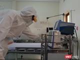 Nhân viên y tế tại BV Dã chiến Củ Chi. Ảnh: N.T
