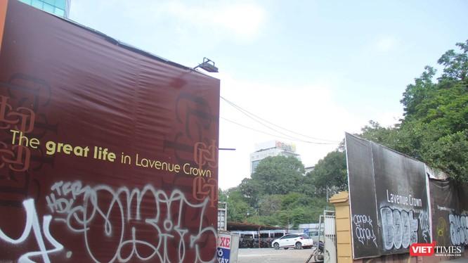 """Khu """"đất vàng"""" tại số 8-12 Lê Duẩn, phường Bến Nghé, Quận 1, Tp. HCM đang được tận dụng làm bãi để xe (Ảnh: VT)"""