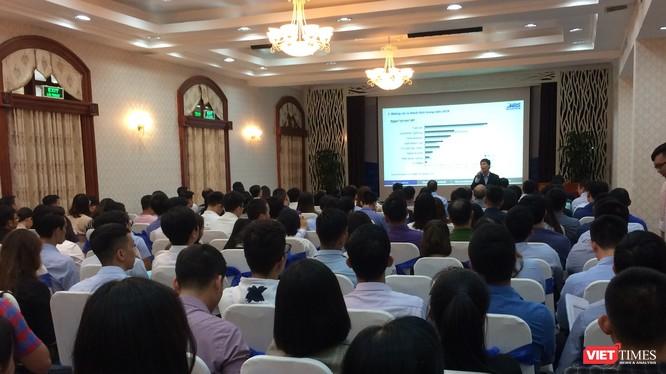 Dù TTCK năm 2018 có diễn biến không thuận lợi nhưng các buổi hội thảo giới thiệu cơ hội đầu tư trên thị trường này vẫn thu hút được nhiều sự quan tâm của các nhà đầu tư (Ảnh: P.D)