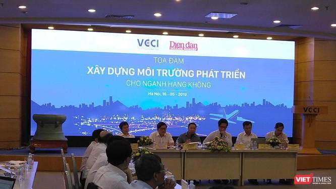 Toàn cảnh buổi Tọa đàm Xây dựng môi trường phát triển cho ngành hàng không (Ảnh: VT)