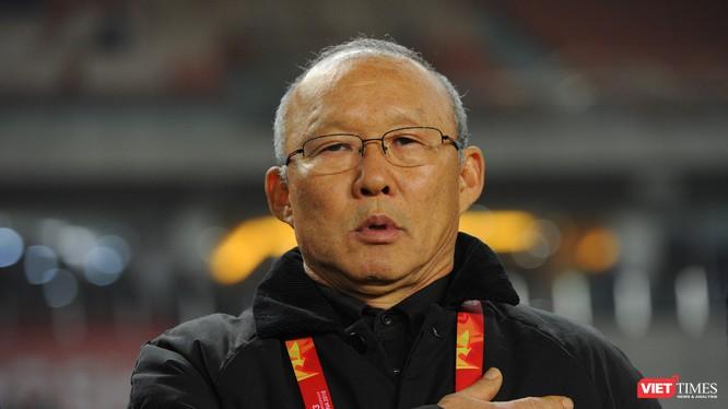"""Giới chuyên môn bóng đá Hàn Quốc từng đặt cho HLV Park biệt danh """"Ngài ngủ gật""""."""