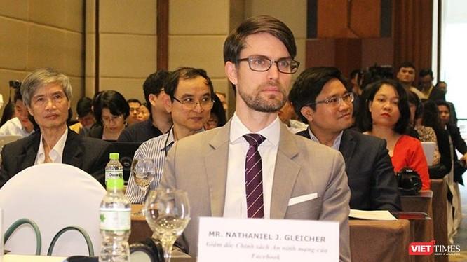 """Ông Nathaniel Gleicher xuất hiện trong sự kiện """"Kinh tế số và Chính sách an ninh mạng ở Việt Nam"""""""