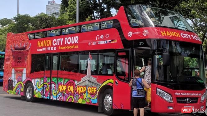 Xe bus hai tầng, mui trần được triển khai để phát triển du lịch tại Hà Nội.