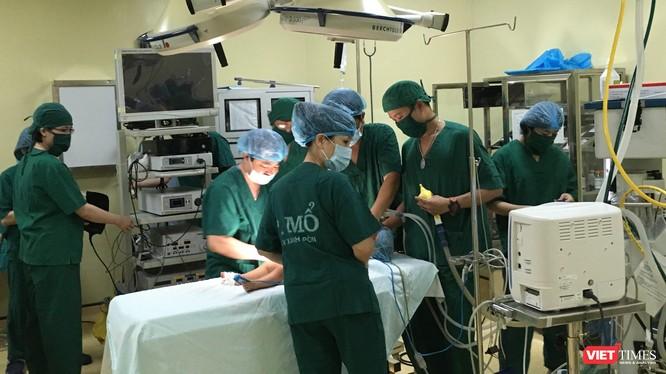 Một ca phẫu thuật nhi khá phức tạp tại Bệnh viện Xanh Pôn
