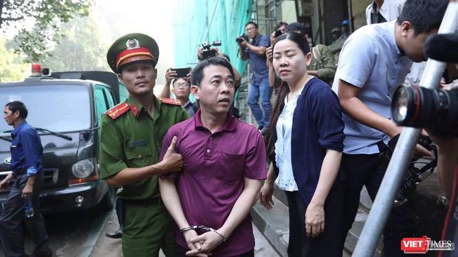 Nguyên Tổng giám đốc VN Pharma Nguyễn Minh Hùng tại phiên tòa đang diễn ra