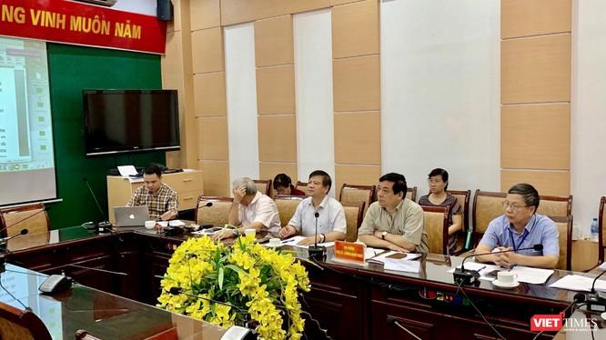 Các chuyên gia của Hội đồng chuyên môn (Bộ Y tế) họp bàn sửa đổi hướng dẫn chẩn đoán, điều trị bệnh bạch hầu ngay khi dịch bệnh nóng lên