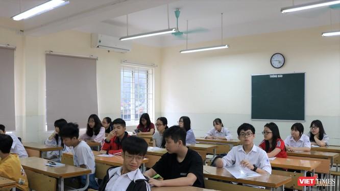 Ở một phòng thi trên địa bàn Hà Nội (ảnh: Minh Thúy)