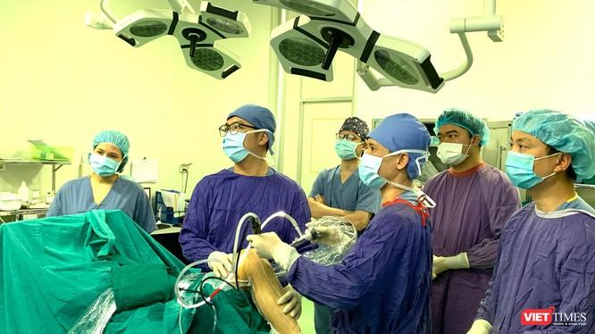 Một ca mổ nội soi khớp gối của PGS.TS. Nguyễn Mạnh Khánh