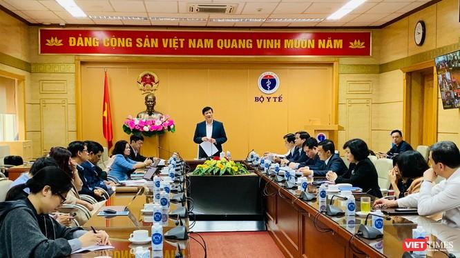 GS.TS. Nguyễn Thanh Long – Ủy viên TW Đảng, Bộ trưởng Bộ Y tế - chủ trì cuộc họp đảm bảo an toàn phòng, chống COVID-19 tại các cơ sở khám, chữa bệnh.