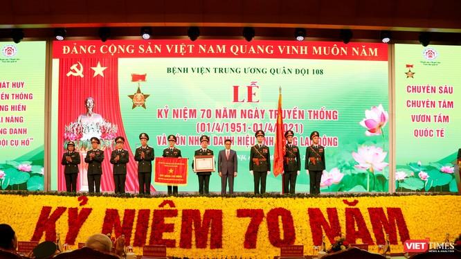 Bệnh viện Trung ương Quân đội 108 đón nhận danh hiệu Anh hùng Lao động