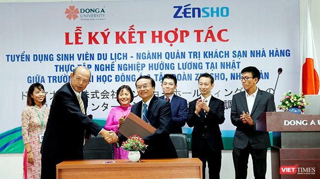 Sáng 19/10, Tập đoàn Zensho (Nhật Bản) vừa ký kết biên bản thỏa thuận với Đại học Đông Á trong việc tuyển dụng sinh viên Du lịch-ngành Quản trị khách sạn, nhà hàng sang Nhật thực tập nghề và hưởng lương.