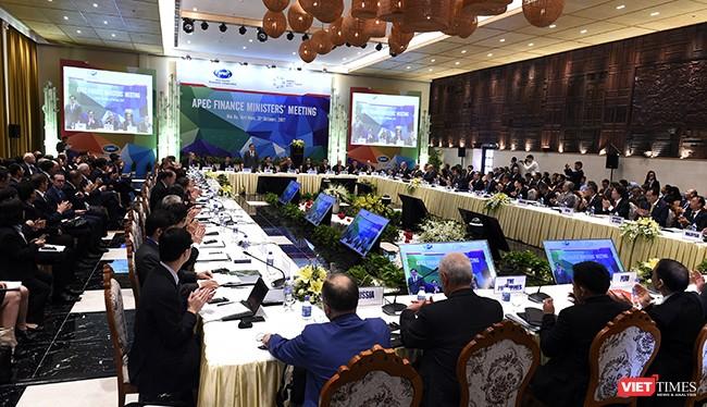 Chiều 21/10, trong khuôn khổ Hội nghị Bộ trưởng Tài chính APEC lần thứ 24 diễn ra tại Hội An (Quảng Nam), các Bộ trưởng Tài chính đại diện cho 21 nền kinh tế thành viên đã ra tuyên bố chung với nhiều nội dung quan trọng.