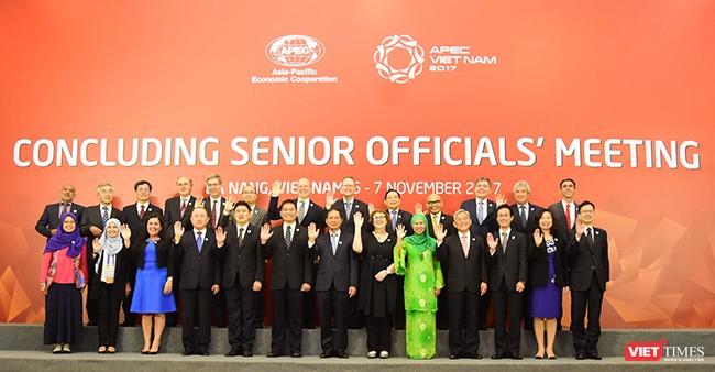 Trưa 07/11, tại Đà Nẵng, Hội nghị tổng kết các quan chức cao cấp APEC (CSOM) đã bế mạc với sự thống nhất cao của các Bộ trưởng đối với việc thông qua Tuyên bố Cần Thơ về an ninh lương thực và nông nghiệp bền vững thích ứng với biến đổi khí hậu.