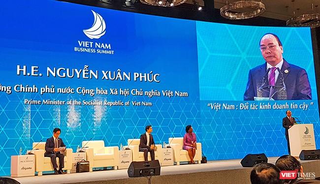 Thủ tướng Chính phủ Nguyễn Xuân Phúc đã chủ trì và phát biểu khai mạc Hội nghị Thượng đỉnh kinh doanh Việt Nam(Vietnam Business Summit-VBS)