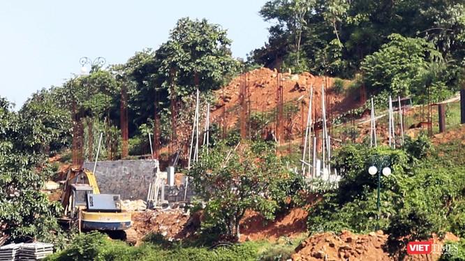 Chiều 30/11, Sở Xây dựng TP Đà Nẵng có văn bản khẳng định việc xây dựng tại dự án Khu Du lịch sinh thái biển Tiên Sa trên bán đảo Sơn Trà (quận Sơn Trà, TP Đà Nẵng) là xây kè và việc xây dựng được UBND TP Đà Nẵng cho phép.