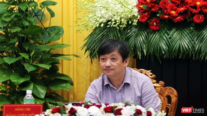 Ông Đặng Việt Dũng, Trưởng Ban Tuyến giáo Thành ủy Đà Nẵng chủ trì buổi Họp báo công bố kết quả Hội nghị Thành ủy Đà Nẵng lần thứ 11, nhiệm kỳ 2015-2020 vừa diễn ra