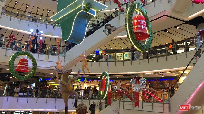 """Thị truiwngf bán lẻ tại TP.HCM trong năm 2017 diễn biến sôi động nhờ """"đổ bộ"""" của các thương hiệu ngoại"""