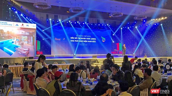 """Sáng 21/1, chủ đầu tư """"siêu dự án"""" Khu đô thị River View (phía Nam Đà Nẵng) đã chính thức mở bán giai đoạn 2 dự án ra thị trường."""