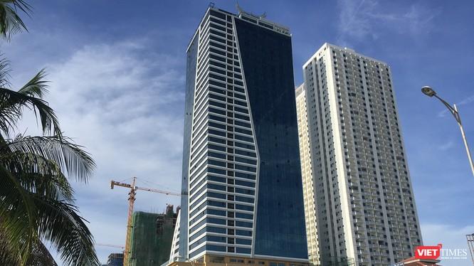 Tổ hợp khách sạn và căn hộ chung cư cao Mường Thanh Sơn Trà đã xây trái phép 104 căn hộ của khối chung cư cao cấp