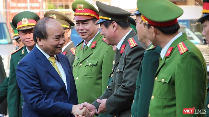 áng 16/2 (tức Mùng Một Tết Mậu Tuất), Thủ tướng Chính phủ Nguyễn Xuân Phúc đã đến thăm và chúc Tết lãnh đạo TP Đà Nẵng cùng các lực lượng vũ trang đóng trên địa bàn.