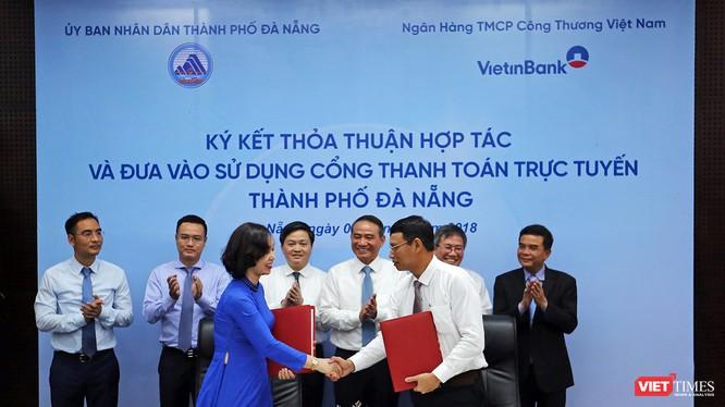 Chiều 3/4, UBND TP Đà Nẵng và Ngân hàng VietinBank đã ký kết thỏa thuận hợp tác cung cấp dịch vụ thanh toán trực tuyến dịch vụ công trên địa bàn TP