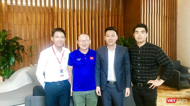 Dự kiến HLV Park Hang Seo sẽ cùng phu nhân và các thành viên liên quan sẽ đến Đà Nẵng nhận nhà vào ngày 06/05/2018