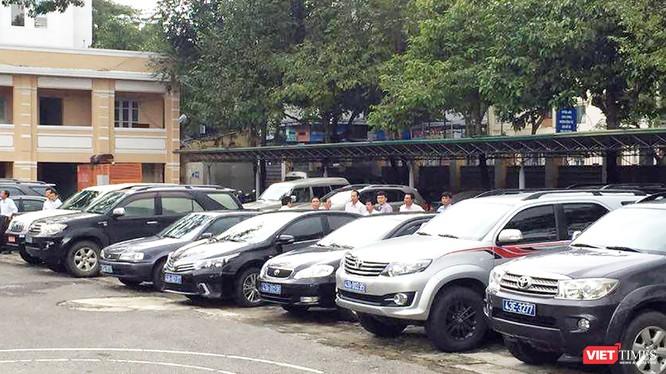 UBND TP Đà Nẵng vừa chỉ đạo tạm dừng chủ trương mua sắm, điều chuyển, bán xe ô tô của các cơ quan, tổ chức, đơn vị.