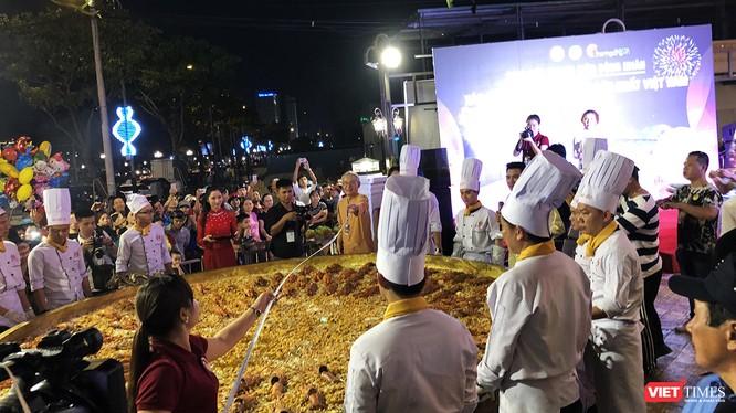 Chiếc bánh xèo được xác lập phá kỷ lục Việt Nam khi có đường kính lên đến 3,68m