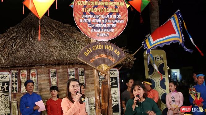 Hô hát Bài Chòi là một trong những nét văn hóa đặc sắc được người dân phố cổ Hội An gìn giữ và phát huy suốt thời gian qua.
