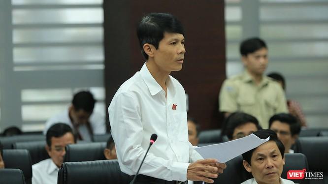 Ông Phan Thanh Long, Trưởng Ban Pháp chế HĐND TP Đà Nẵng phát biểu tại Chương trình đối thoại của HĐND TP Đà Nẵng với cử tri lần thứ 3 diễn ra sáng 15/5.