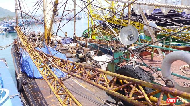 Sau nhiều diễn biến liên quan đến việc hư hỏng đối với tàu cá vỏ thép của ngư dân Bình Định do chất lượng đóng không đảm bảo thì này xúat hiện thêm việc đóng tàu qua môi giới