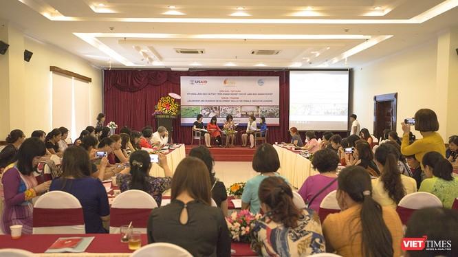 Sáng 8/6, tại Đà Nẵng, hơn 100 nữ lãnh đạo doanh nghiệp đến từ 19 tỉnh miền Trung cùng các chuyên gia cùng tham dự Diễn đàn-Tập huấn quản lý và phát triển doanh nghiệp.