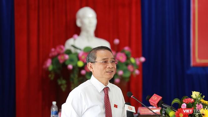 Ông Trương Quang Nghĩa, Bí thư Đà Nẵng, Trưởng đoàn đại biểu Quốc hội TP Đà Nẵng trả lời ý kiến cử tri tại buổi tiếp xúc cử tri