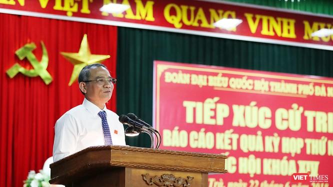 Ông Trương Quang Nghĩa, Bí thư Thành ủy Đà Nẵng thông tin về Luật Phòng chống tham nhũng và chia sẻ về tài sản của Giám đốc Công an Đà Nẵng.
